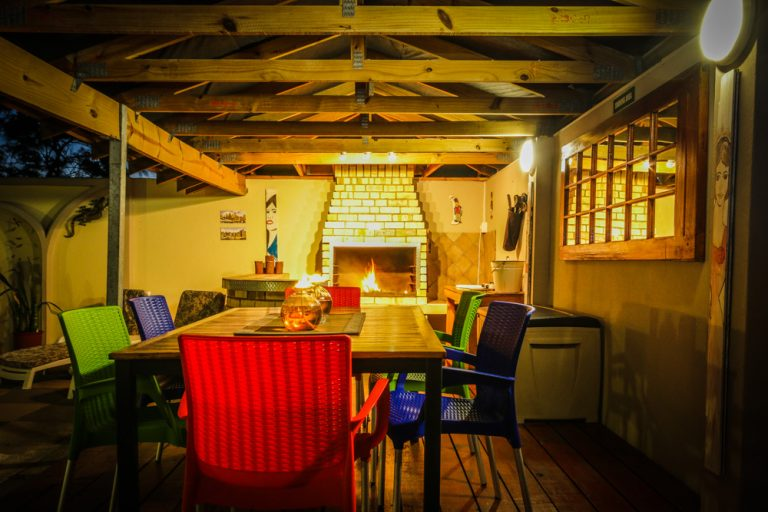 @47 Guesthouse, Summerstrand, Port Elizabeth - Braai Area at Night
